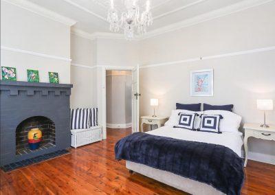 159 Morrison St Putney bed